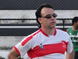 Everton Câmara, técnico do Penendense (Foto: Leonardo Freire/GLOBOESPORTE.COM)