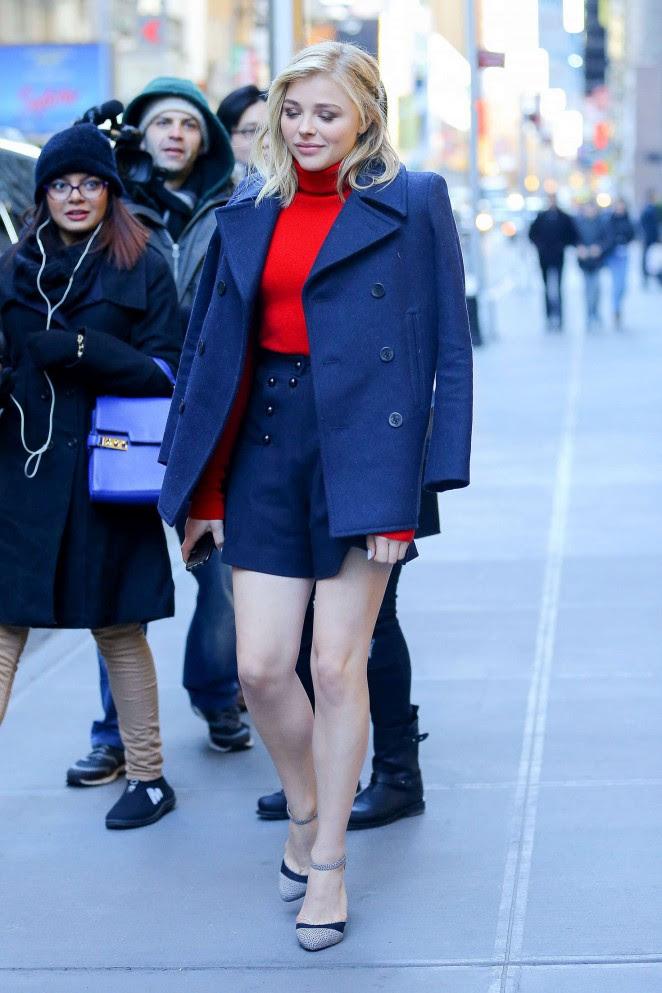 Chloe Moretz Shows her Legs -10