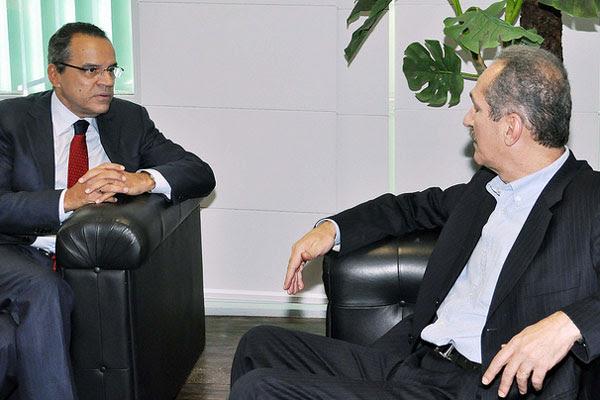 Henrique recebeu do ministro Aldo Rebelo a confirmação da liberação dos recursos para reforma do Nazarenão