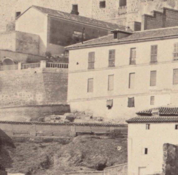 Fonda de la Caridad hacia 1858. Detalle de una fotografía de Charles Clifford