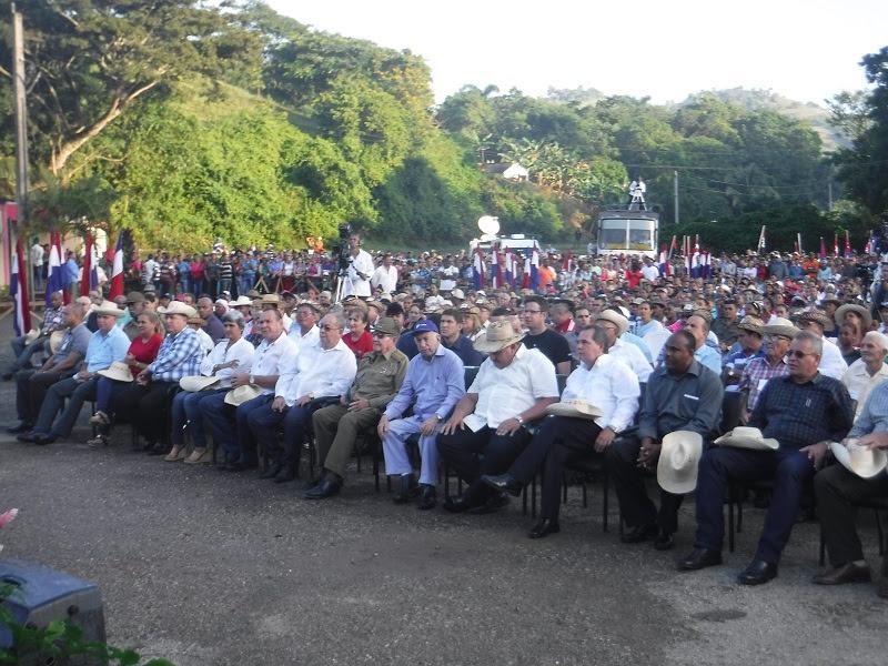 Presidió Raúl conmemoración del Congreso Campesino en Armas