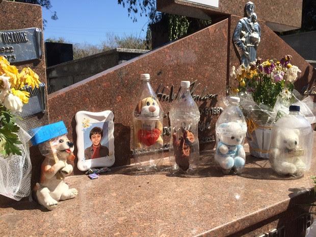 Corpo de Bernardo Boldrini está sepultado em Santa Maria (Foto: Caetanno Freitas/G1)
