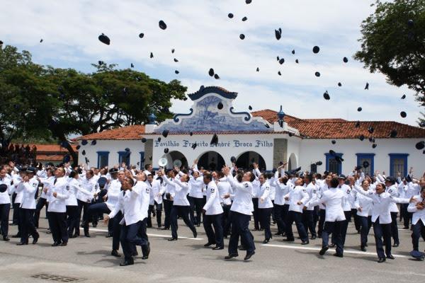 Escola de Especialistas forma novos sargentos  EEAR/ Cb Vinícius