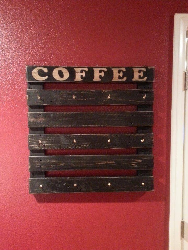 DIY Pallet Coffee Cup Holder - 101 Pallet Ideas
