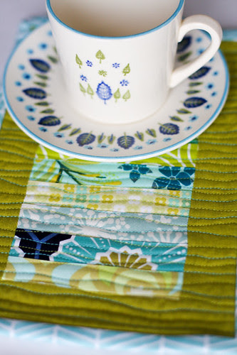 Scrappy Stack Mug Rug Tutorial - In Color Order