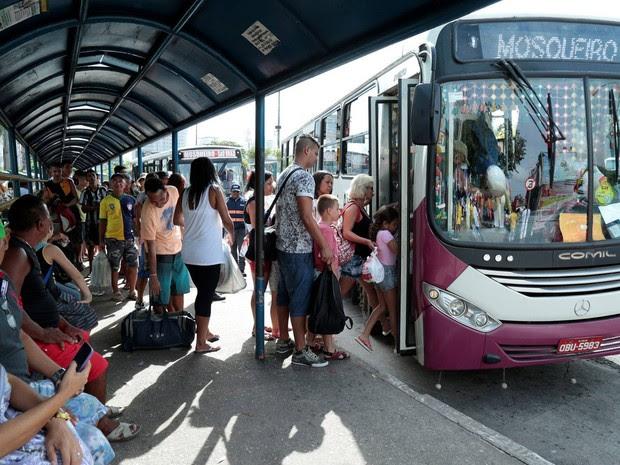 Ônibus para Mosqueiro (Foto: João Gomes/Comus)