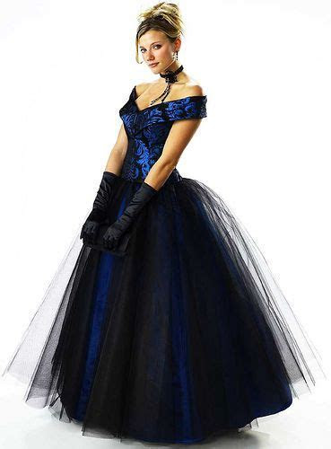 Nice Prom Dresses Selections   Sang Maestro