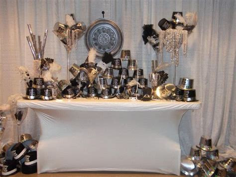 New Year Eve Wedding Favor Display (great job Andy Hopper