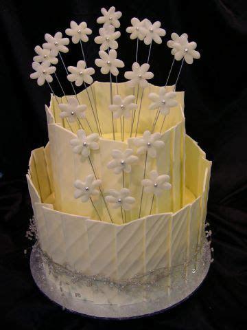 White Chocolate Shards and daisies   Heidelberg Cakes