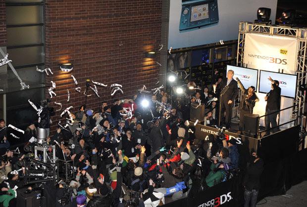 Evento da Nintendo reuniu centenas de pessoas em Nova York na virada do sábado (26) para vo domingo (27) (Foto: Charles Manley/Nintendo)