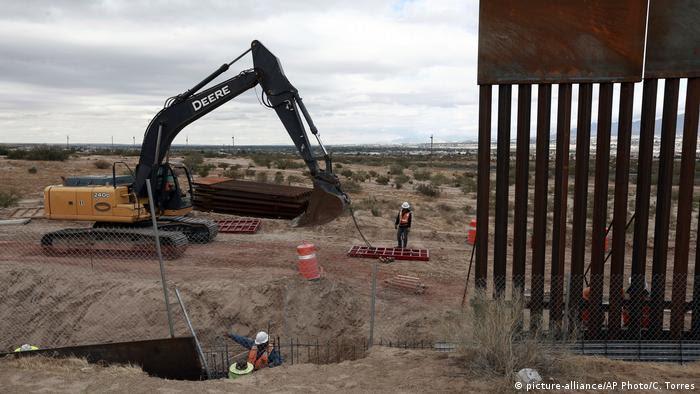 Muro México-EE.UU. (picture-alliance/AP Photo/C. Torres)