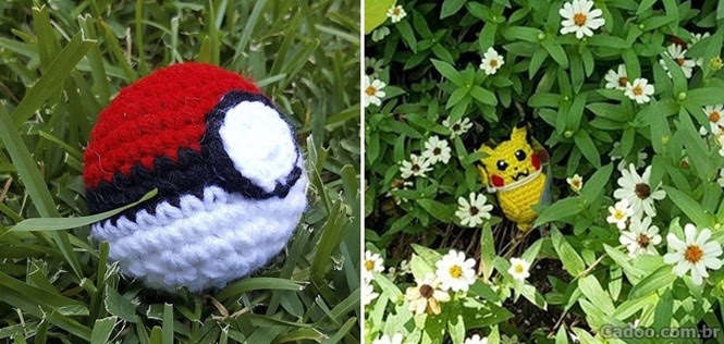 Alguém teve a incrível ideia de espalhar Pokémons e Pokebolas de crochê pela cidade