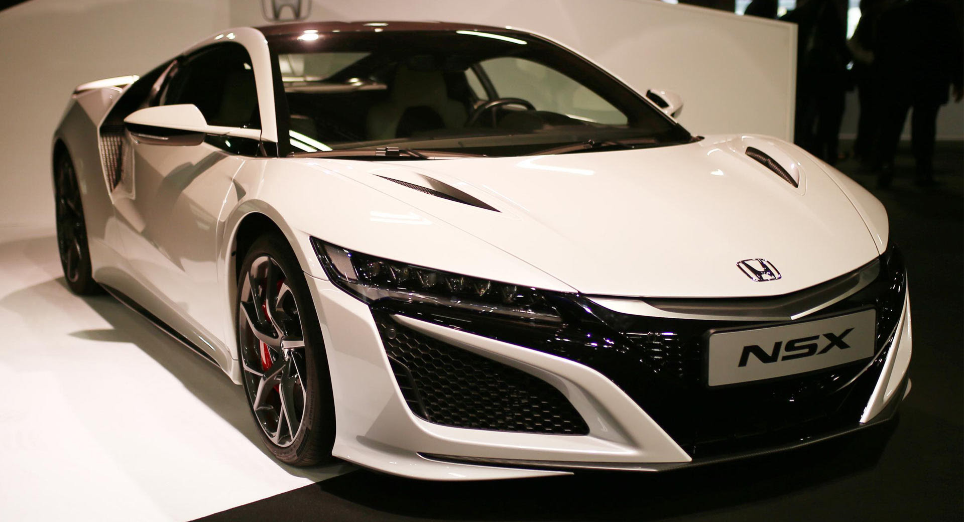 2019 Honda Nsx Gets Performance Updates Ahead Of Launch Later This Year Carscoops
