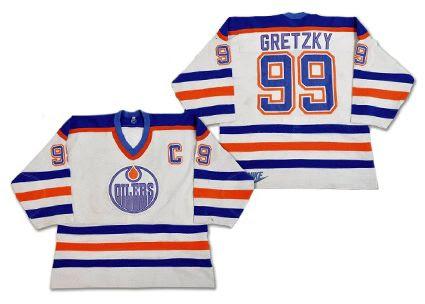 Edmonton Oilers 1983-84 jersey photo Edmonton Oilers 1983-84 jersey.jpg
