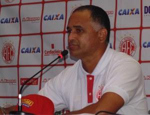 Oliveira Canindé, técnico do América-RN (Foto: Klênyo Galvão)