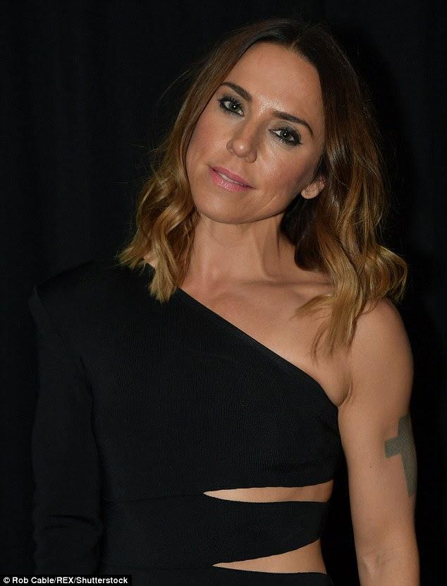 """Mantê-lo simples: A reação on-line veio após o ex-Spice Girl, Mel C, pediu Little Mix para suavizar sua imagem atrevido e reverter para a sua imagem """"menos provocativo '"""