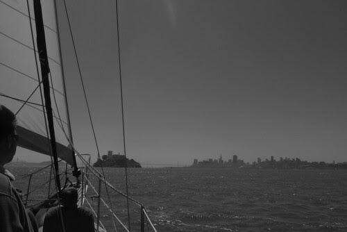 San Francisco Sailing Company - Alcatraz and the city skyline