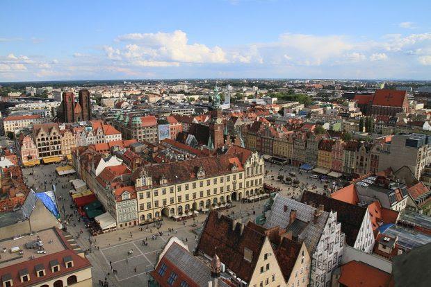 1024px-Rynek_Wroclaw_Summer_2010