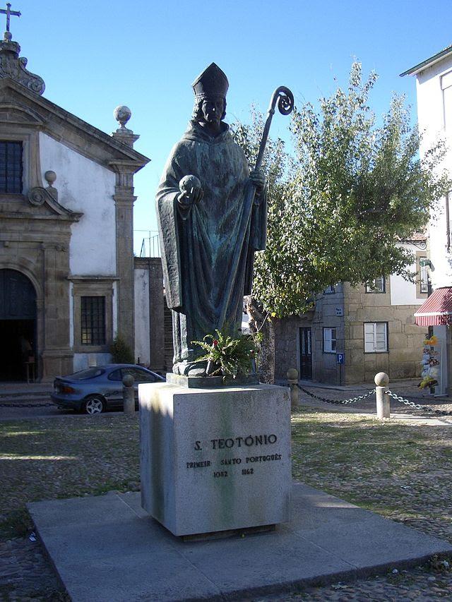 Valença - Estátua de S Teotónio.jpg