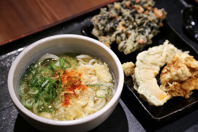 My hot udon with selected tempura