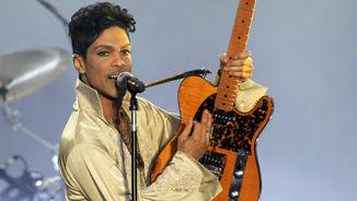 Prince en una actuació a la Gran Bretanya el 2011 (Reuters)