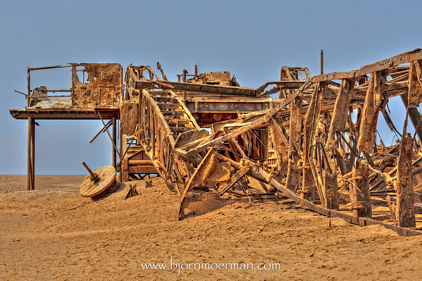 Rusty oil rig at Skeleton coast