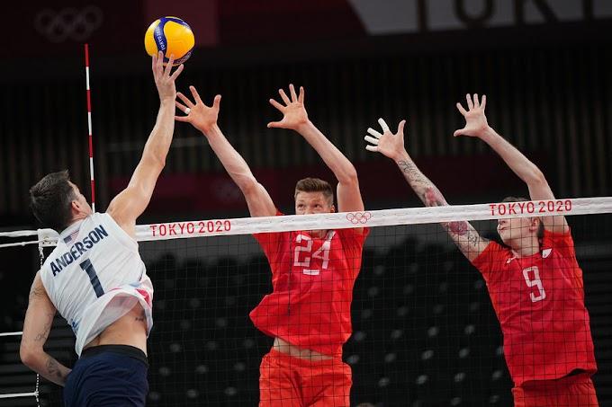 Сборная России уступила Турции встартовом матче ЧЕ поволейболу