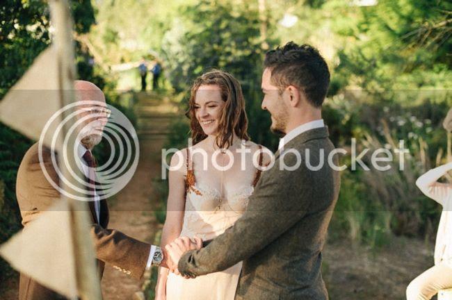 http://i892.photobucket.com/albums/ac125/lovemademedoit/welovepictures%20blog/CC_OldMacDaddy_Elgin_Wedding__072.jpg?t=1355209277