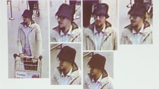 """Imatges de l'anomenat """"home del barret"""", el tercer sospitós dels atemptats de l'aeroport de Brussel·les i que podria ser el detingut aquest divendres a la capital belga (EFE)"""