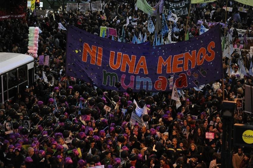 Se desarrolla la marcha #NiUnaMenos para protestar contra la violencia machista, en Plaza del Congreso. (Pedro Lázaro Fernández)