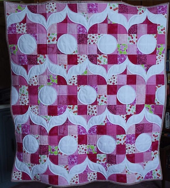 Sew Fresh Quilts: Blogger's Quilt Festival - Spring 2013 - Sew Retro, Baby!