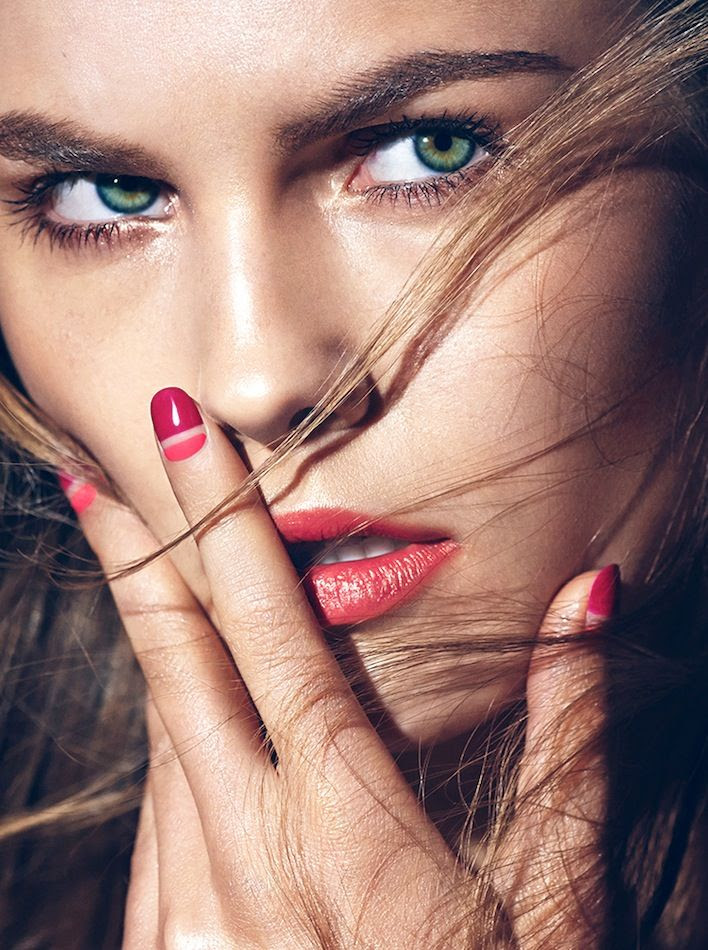 Le Fashion Blog Last Minute Nail Art Idea Valentines Day Contrast Colorblock Berry Hot Poppy Pink Manicure Make Up Via Allure photo Le-Fashion-Blog-Last-Minute-Nail-Art-Idea-Valentines-Day-Contrast-Colorblock-Berry-Hot-Poppy-Pink-Manicure-Make-Up-Via-Allure.jpg