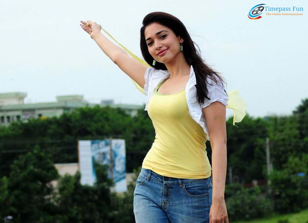 tamanna-bhatia-hot-wallpaper-hd