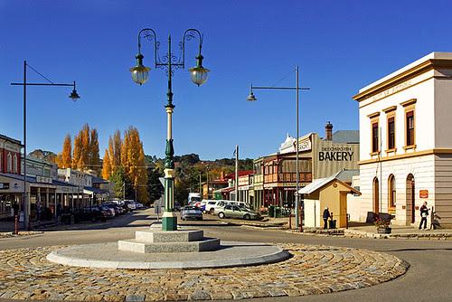 Beechworth, Victoria, Australia, Corner Ford and Camp Street, autumn IMG_9981_Beechworth