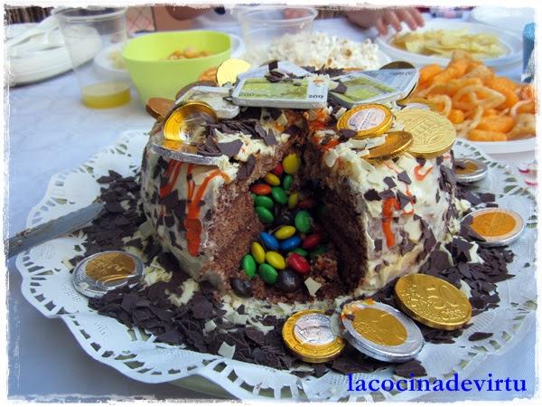 tarta cofre 4 años interior