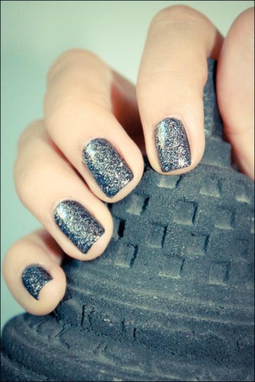 Manicure-brokatowy-sylwester-33587103_large