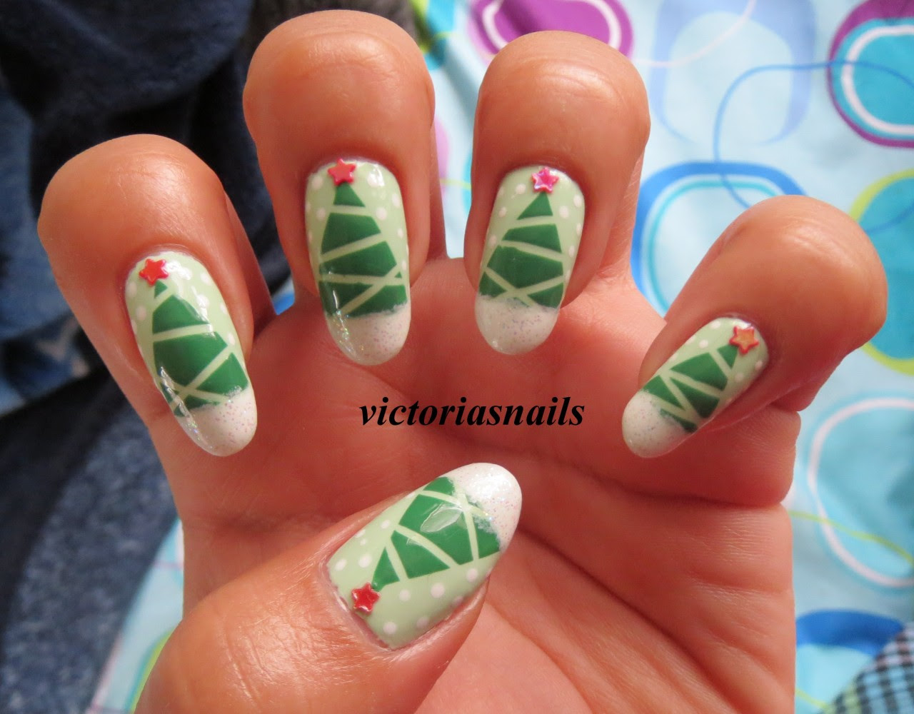 Merry Christmas! Colors used: Essie - Pretty Edgy Sally Hansen - Mint Sorbet Wet N' Wild - French White, Hallucinate