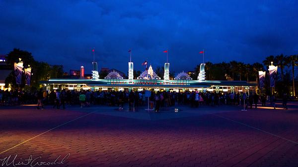 Disneyland Resort, Disneyland60, 60, Anniversary, 24, Hour, Party, Celebration, Kick, Off, Disney California Adventure, Main, Entrance, Plaza