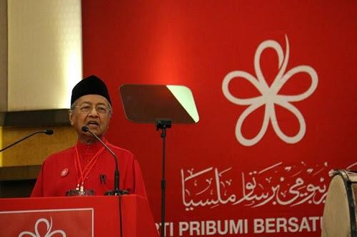 Kerajaan campuran Umno - PH 'mimpi Mat Jenin' - Tun M