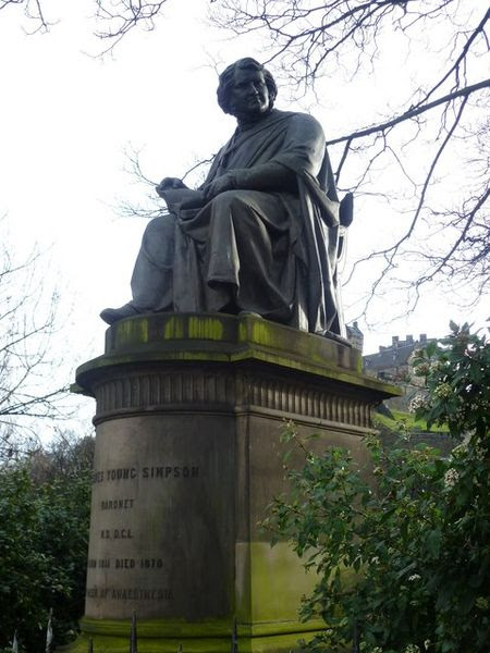 File:James Young Simpson statue.jpg