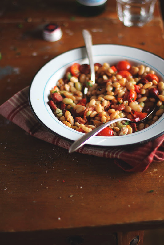 Beans with Sausages, Tomatoes and Sweet Pepper