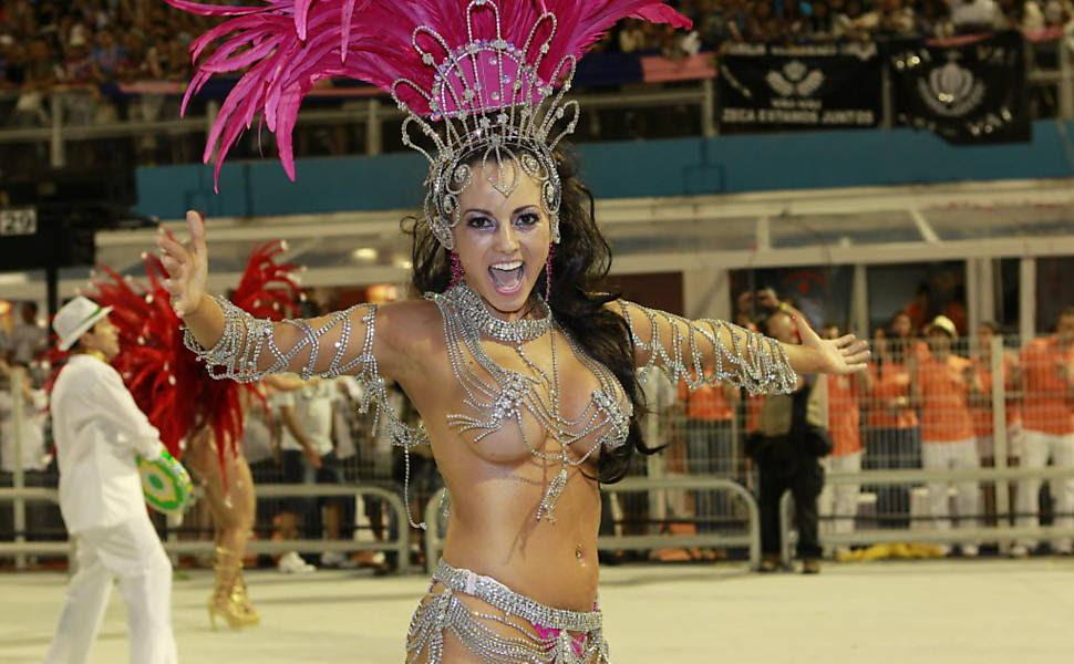 Fernanda Passos, princesa da bateria da Camisa Verde e Branco Leia mais