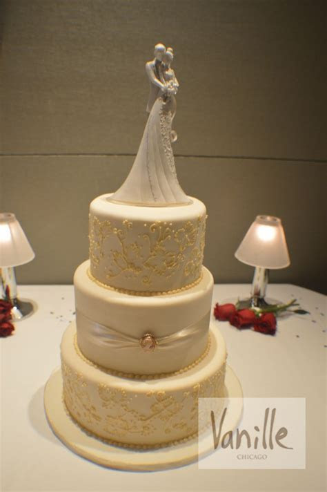17 Best images about Vanille Chicago Wedding Cakes on