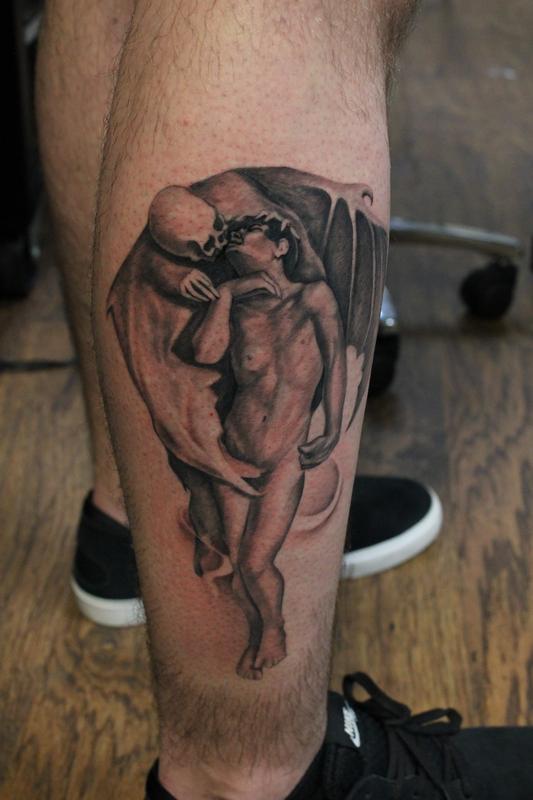 Cap1 Tattoos Tattoos Capone Black And Grey Kiss Of Death Leg Piece