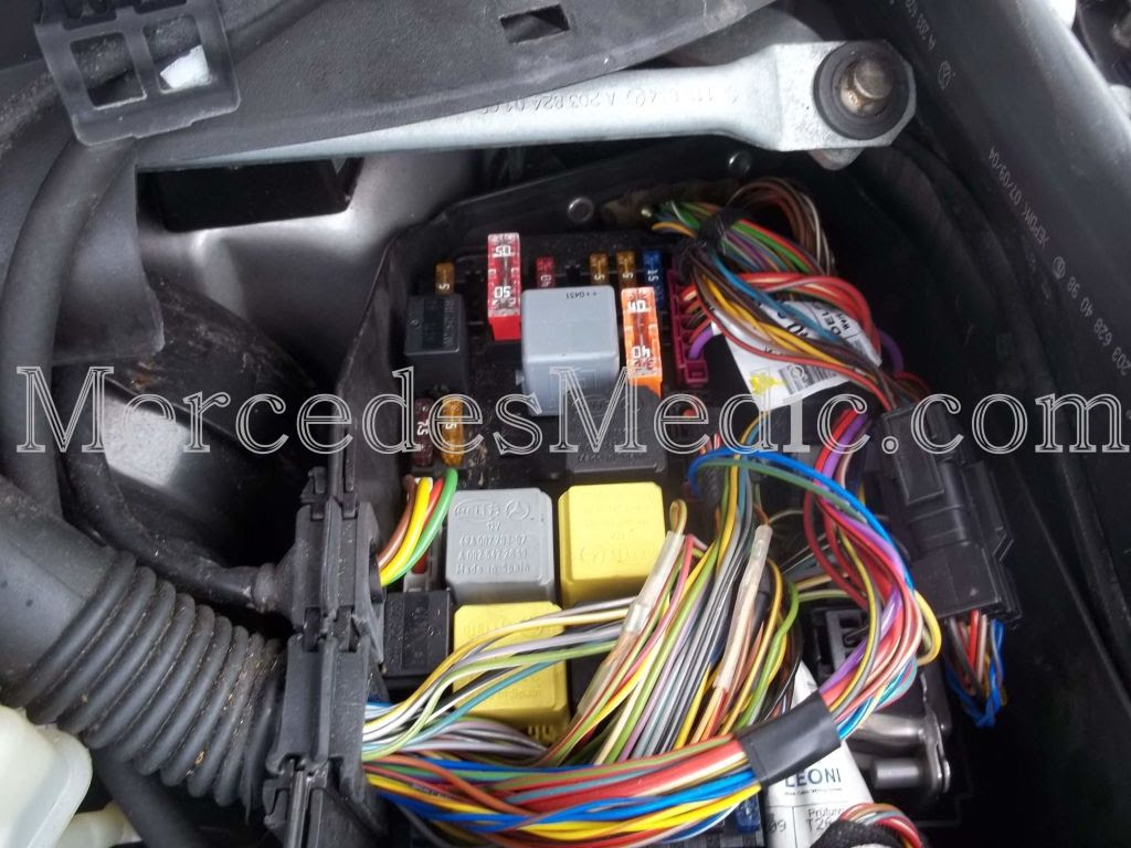 S Cl Class W220 Fuses And Relays Location Designation 2000 2006 Mb Medic