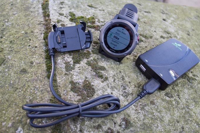Туристический GPS навигатор Garmin fenix 3. Портативное зарядное устройство