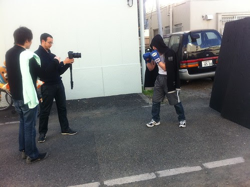 Kong and Mahmoud preparing the scene of the hobo boxer