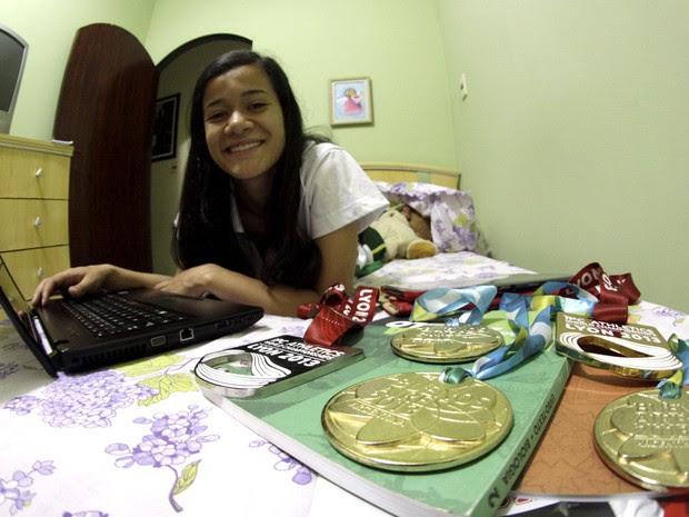 Verônica mora em Santo André e cursa o 3º ano do ensino médio (Foto: Fernando Nonato/ G1)