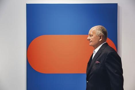 Cramer, ante una de sus obras. | Christie's