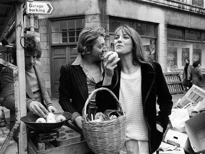 jane-birkin-and-serge-gainsbourg-arrived-in-london-and-went-shopping-in-berwick-street-market